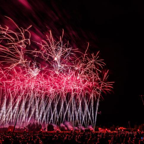 Monteux, Feu d'artifice, Fireworks, couleur, pose longue, motion, Frédéric Bonnaud, FredB Art, Photo, Photographer, Photographe, Paysage, Marseille, France