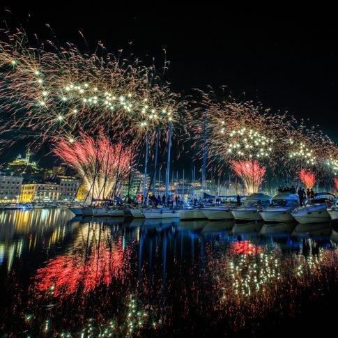 feu, Feu d'artifice, Fireworks, couleur, pose longue, motion, Frédéric Bonnaud, FredB Art, Photo, Photographer, Photographe, Paysage, Marseille, France, Vieux port